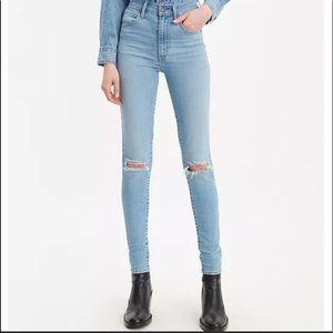 Levi's Distressed Mile High Super Skinny Jean